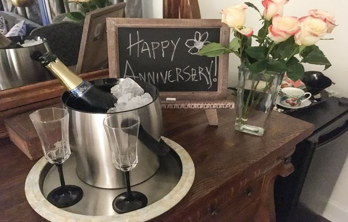 Anniversary sparkling wine at St Francis Cottage