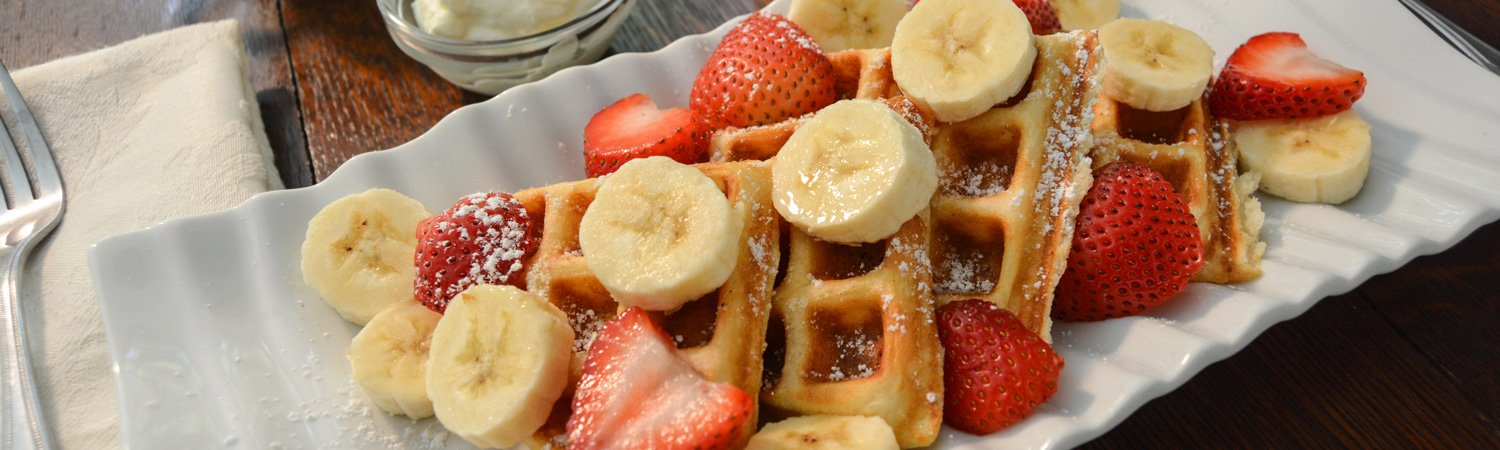 Waffles with fresh Bananas and Strawberries